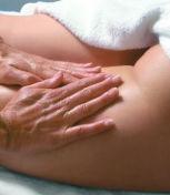 Как делать антицеллюлитный массаж в домашних условиях