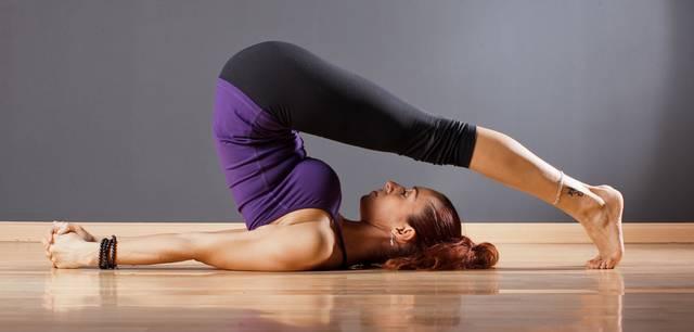 Упражнение запрокидывание ног за голову