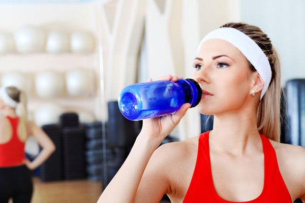 Употребление воды во время тренировок
