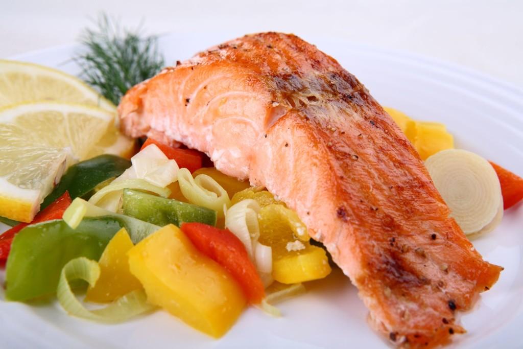 Рыба и салат