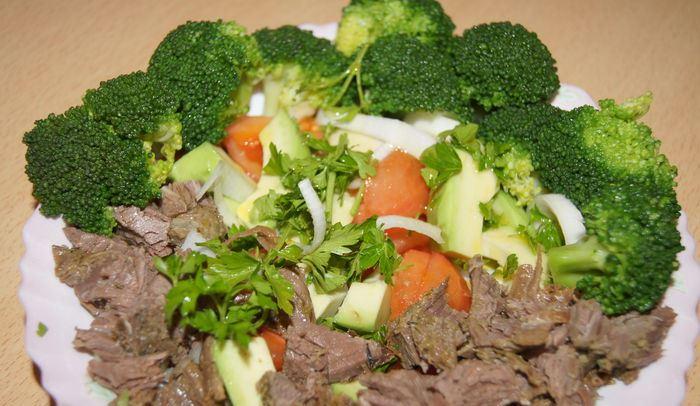 Говядина, брокколи и морковь