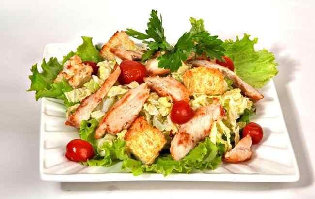 Эстетичный внешний вид салата Цезарь