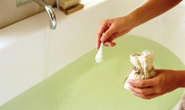 Приготовление ванны с содой и солью