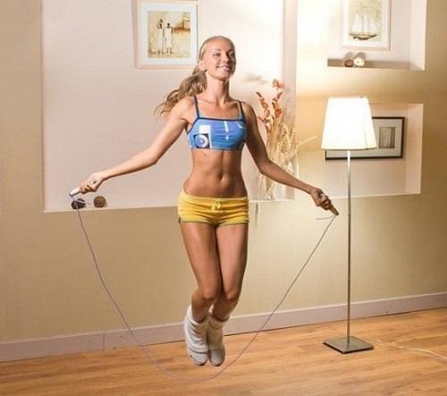 Прыжки на скакалке для разогрева мышц