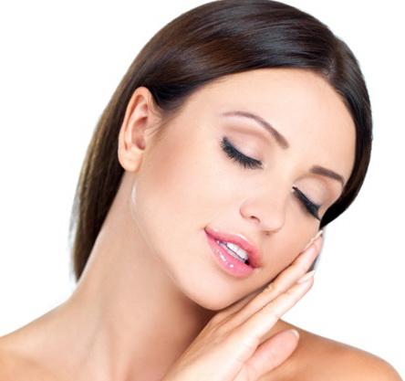 Как правильно ухаживать за жирной кожей лица в домашних условиях
