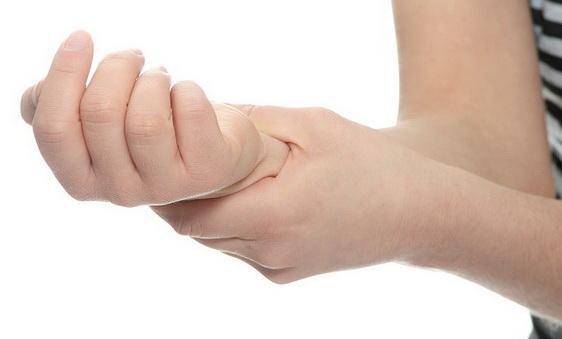 парестезия пальцев рук