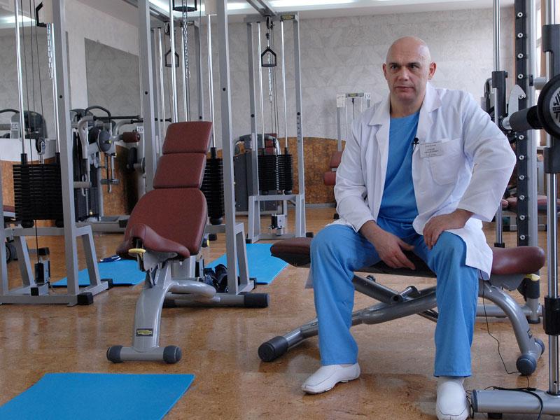 Деформирующий артроз коленного сустава бубновский болят суставы между пальцами и ладонью