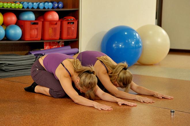 Упражнения на фитболе при болях в пояснице