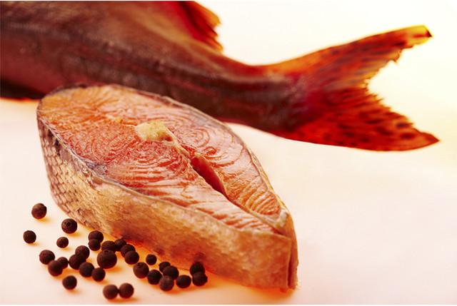 Нежирная копченая рыба