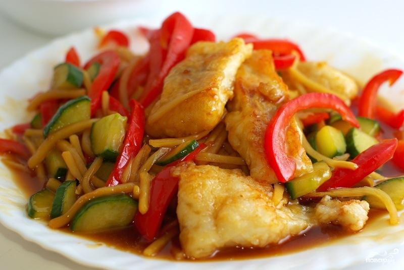 Блюдо из рыбы с овощами