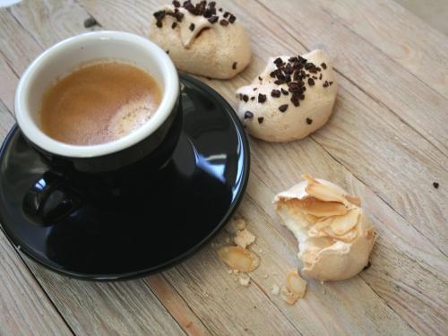Кофе и безе