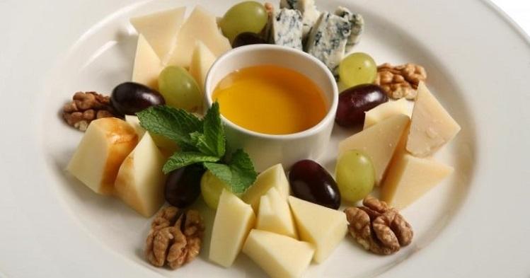 Перекус сыром