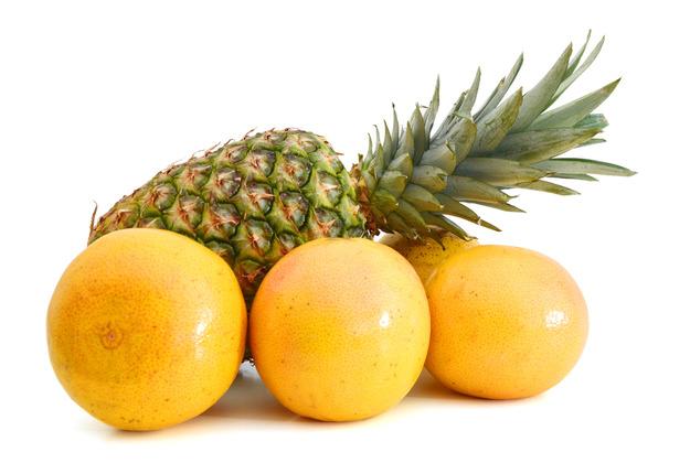Ананас и грейпфруты