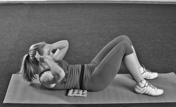 Подъем корпуса для похудения живота и боков